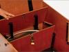 Versperrbare Kiste unter der Sitzbank
