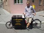 Ugis war von Juli bis Oktober 2014 als geringfügig angestellter Lastenradbote für Heavy Pedals unterwegs.