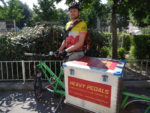 Jake war von Juli bis November 2016 und von Februar bis November 2017 als geringfügig angestellter Lastenradbote für Heavy Pedals unterwegs.