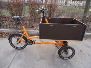 Chike, cargo, orange