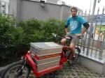 Nick war von Mai 2013 bis September 2015, als fix angestellter Lastenradbote, für Heavy Pedals unterwegs.